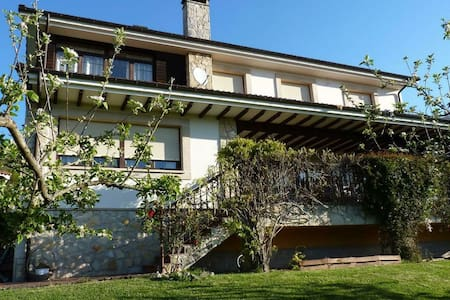 Villa spacieuse avec terrasse dans les Asturies, Espagne