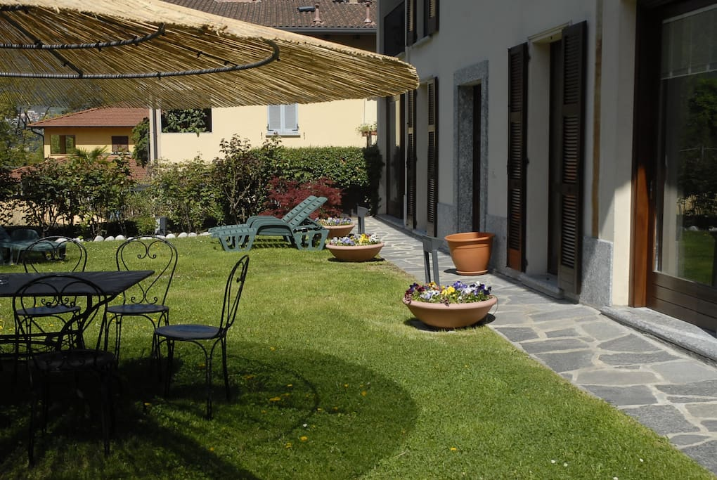 Private garden with dining area
