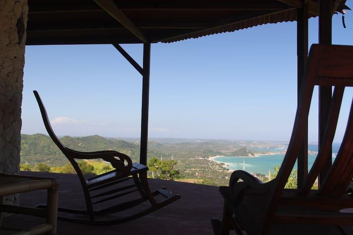 Serene Hilltop House, Overlooking Kuta