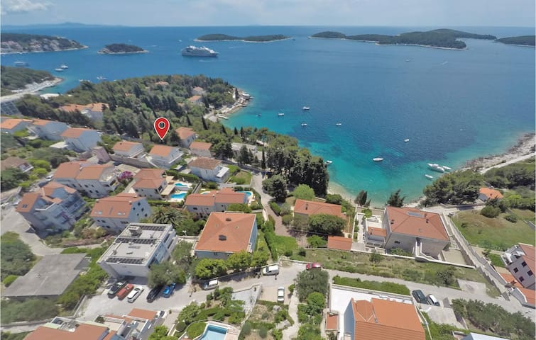 Holiday apartment with 1 bedroom on 29m² in Hvar