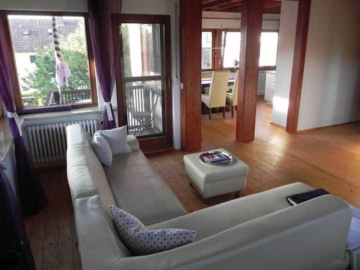 Ferienwohnung Bodenseeblick, (Öhningen), Ferienwohnung Bodenseeblick, 75qm, lichtdurchflutet, 1 Schlafzimmer, max. 4 Personen