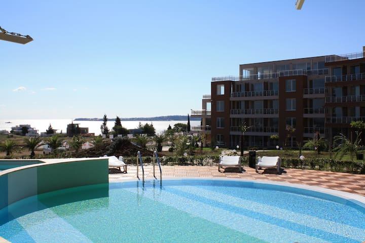 Wonderful apartment near Black Sea! - Chernomorets - Flat