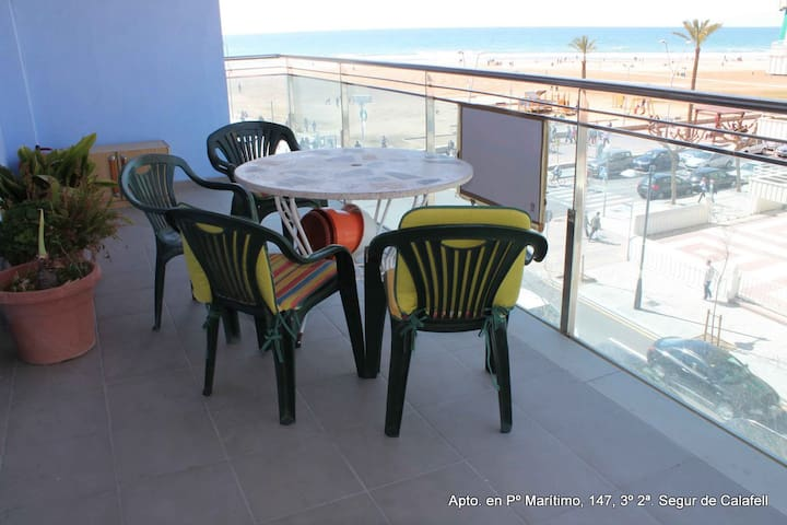fantastic Apartment on first line beach - Calafell - Byt