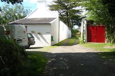 The West Cork Farmhouse -  Style, Charm and Peace - Cork - Bed & Breakfast