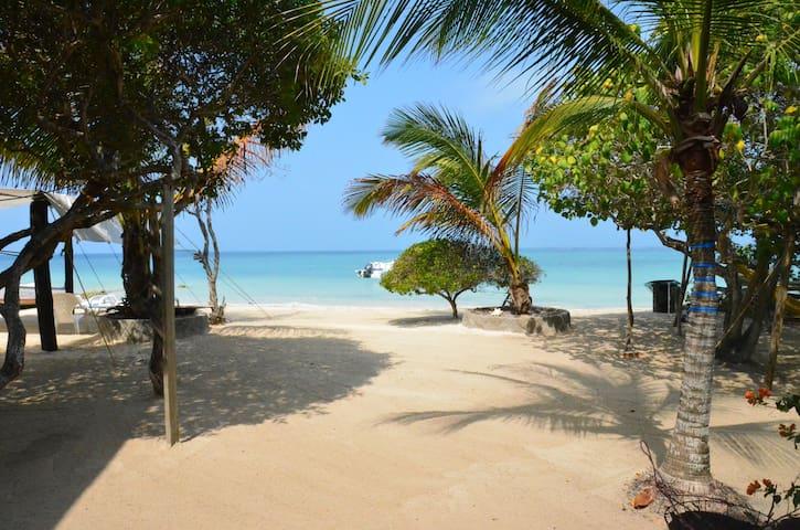 Cartagena de Indias, Caribbean Beach House in Baru