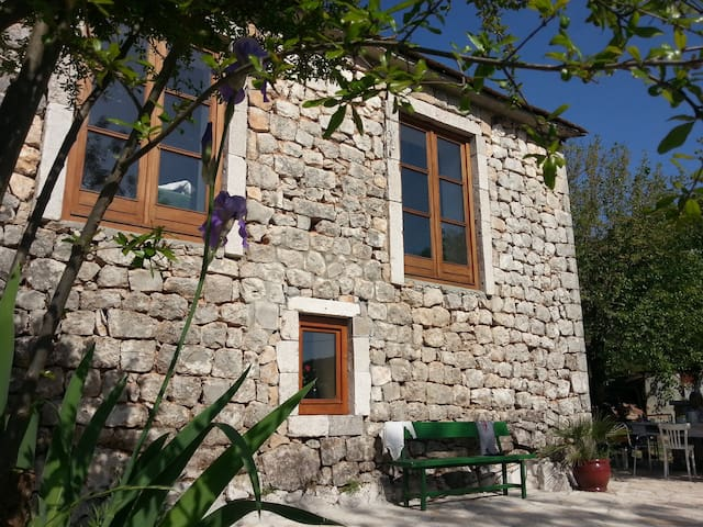 Stonehouse at Lake Skadar north - Rvaši - Casa