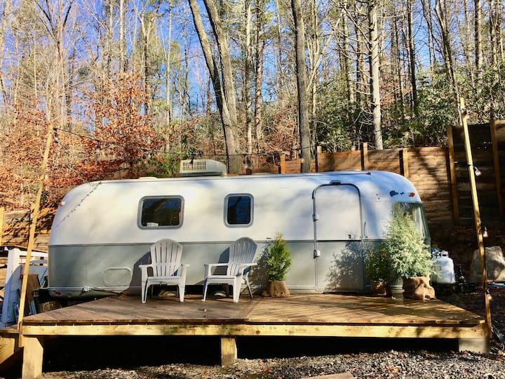The RhodoDen- Airstream Glamping