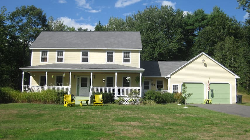 SPACIOUS HOME IN COUNTRY SETTING - Saco - House