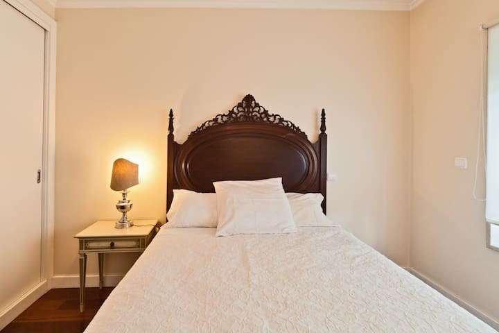 You have a comfortable double bed to have a great night of sleep after a long journey through the day.