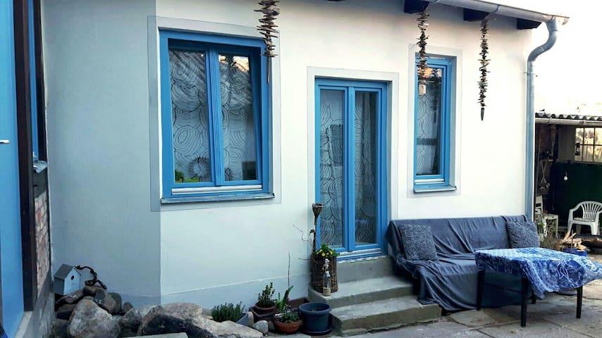 Ruhige Altstadtwohnung  mit Garten - Wolgast - Apartment