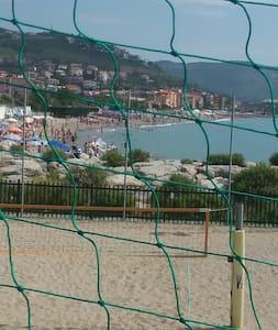 Casa vacanza vicino al mare e porto di Loano - Pietra Ligure - Wohnung