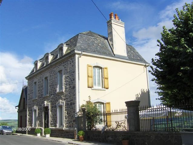Résidence Hauteclair/Apchon/Cantal