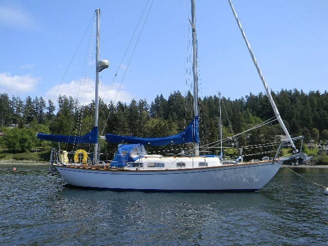 liveaboard sailboat, Orcas Island - Eastsound - Boat