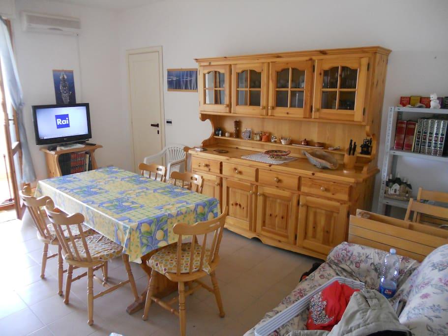 Appartamento alghero zona spiagge appartamenti in for Appartamento sardegna agosto