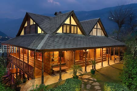 Luxurious & Cozy Cottage room (Kullu)