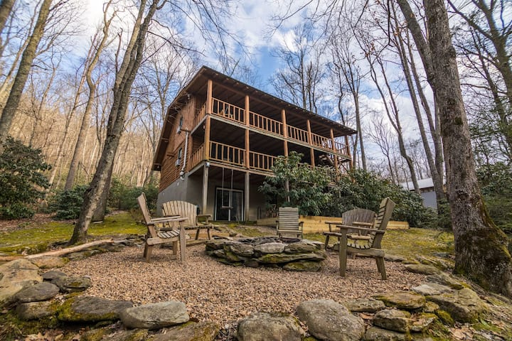 Draggin Fly- Romantic Getaway! River Frontage - Hot Tub - Firepit