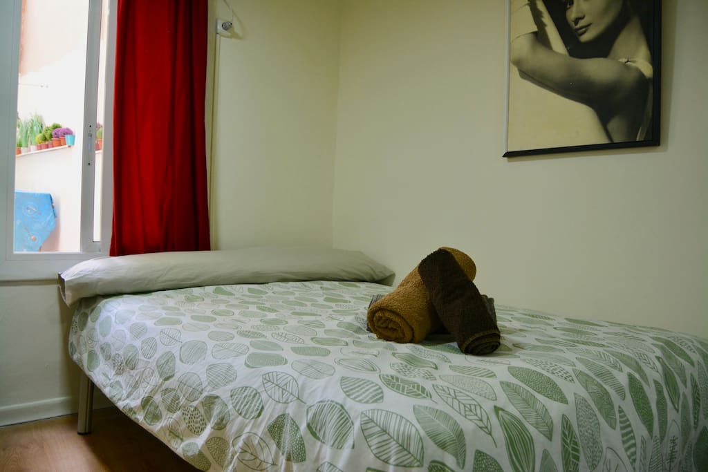 NICE BIG ROOM (Up to 4 guests)/WIFI/AirC+Big Terrace