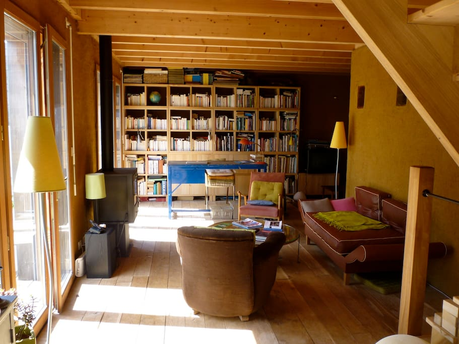 Ecological house in Atlantic France : the living room.