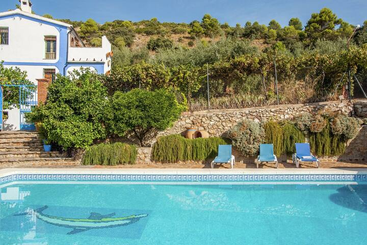 Rural apartment with pool and jacuzzi in an old Andalusian country hous(Cordoba)