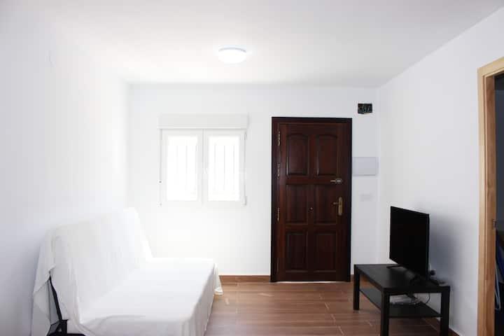 Tranquilo apartamento muy cercano a la playa (II)