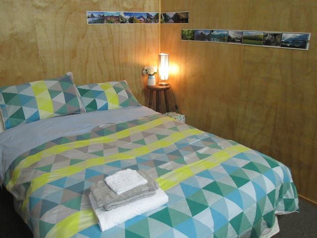 Cosy self-contained unit - Te Anau - Hus