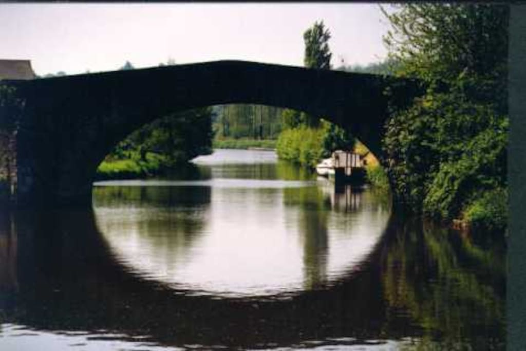 The bridge in Léhon