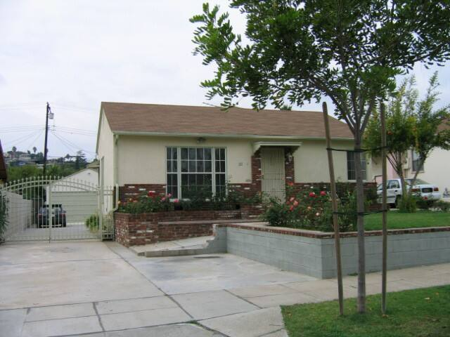 Safe and located in the middle of LA metro area