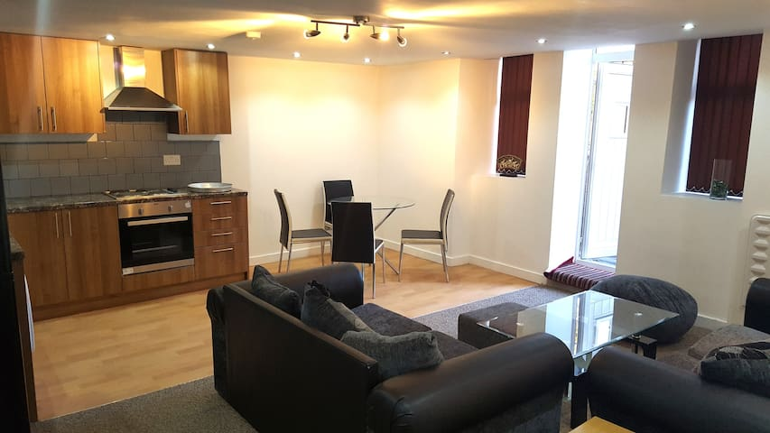 Heart of Central Manchester -All facilities nearby - Manchester - Apartmen
