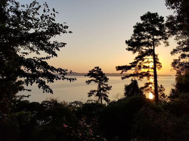 Toledo Bend Overlook Cabin