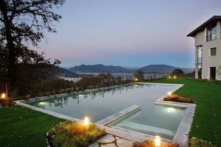 Holiday Apartment in Lake Maggiore - Meina - Huoneisto
