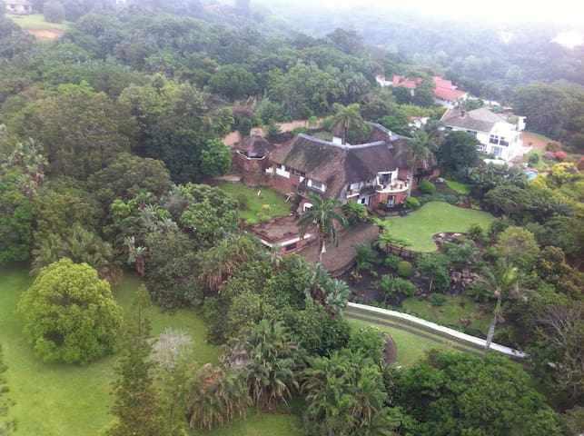African thatched holiday gem - Southbroom - Casa