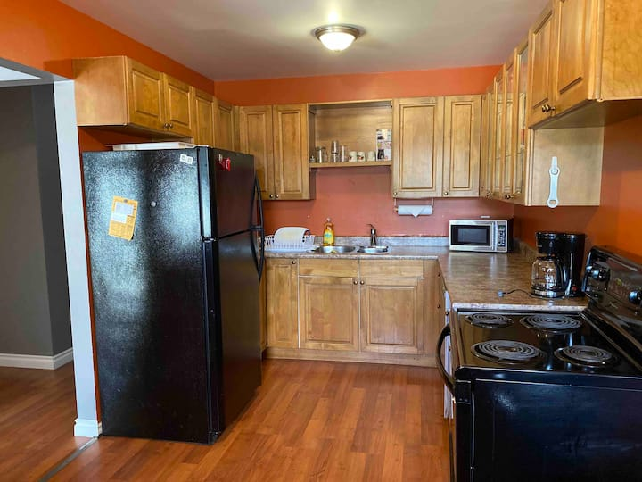 3 bedroom apartment- Off the airport & Highway 61