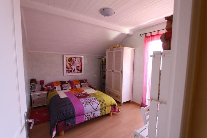 Chambre meublée +sdb