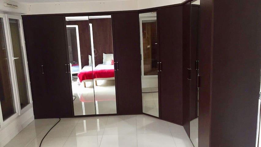 Chambre avec sauna privatif + dressing