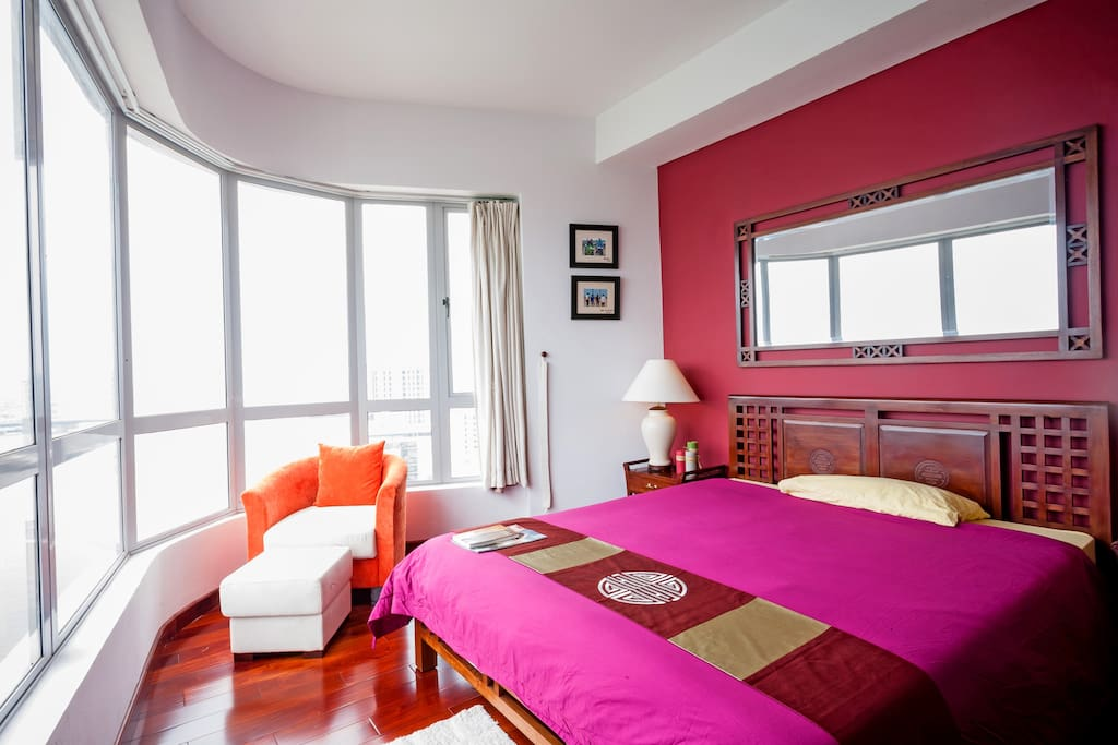 Master bedroom with 360** view