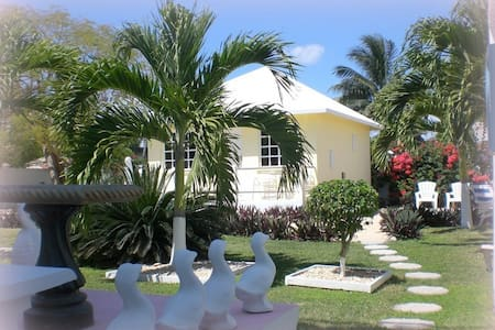 Private Cottage in Corozal Town - Corozal - Cabana