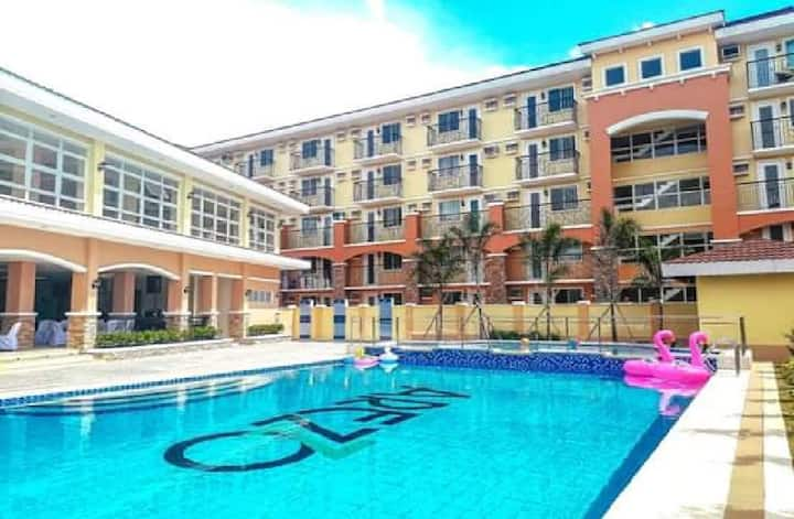 Awesome Condo Unit near beeches, Airport & Malls