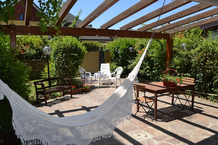Private garden in luxury home/villa - Potenza - Villa