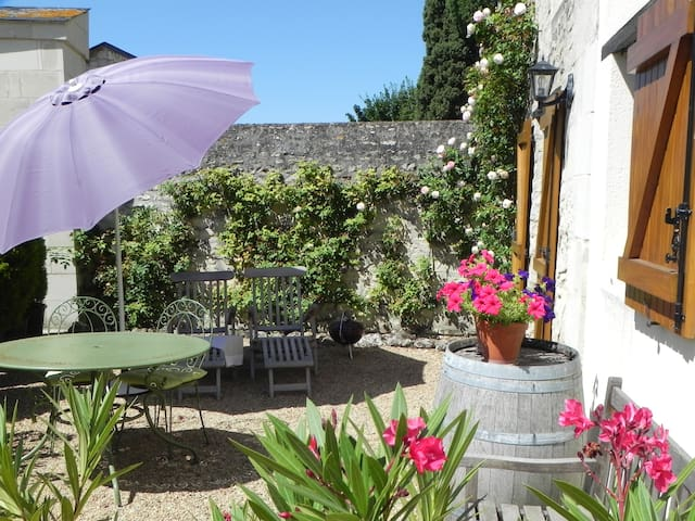 The Cottage, Annie's House: 10min Montreuil-Bellay - Pouançay - Vakantiewoning