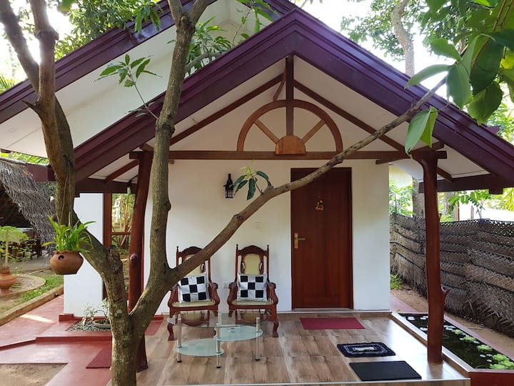 Yaluwa Tourist Rest - Private house with locals