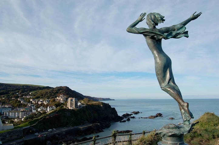 Large house with amazing sea views - Ilfracombe - Talo