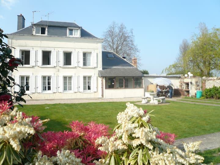 """ Le Jardin d'Alice "" petite chambre rose"