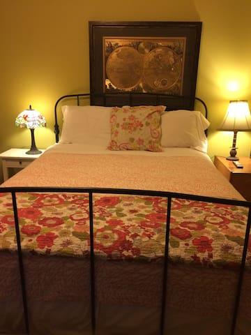 Private Queen Bedroom Suite NYC & Bergen County