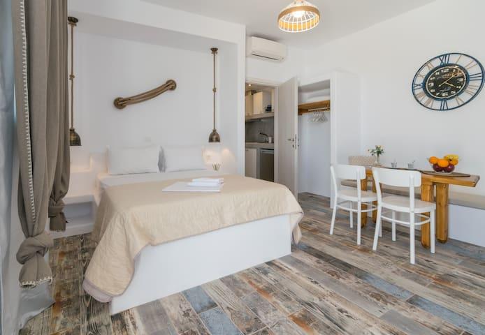 Giannoulis Hotel Adamas Apartment 2 Bedrooms