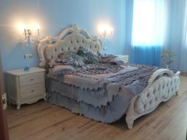2к. квартира посуточно г. Ильичевск - Illichivs'k - Apartament