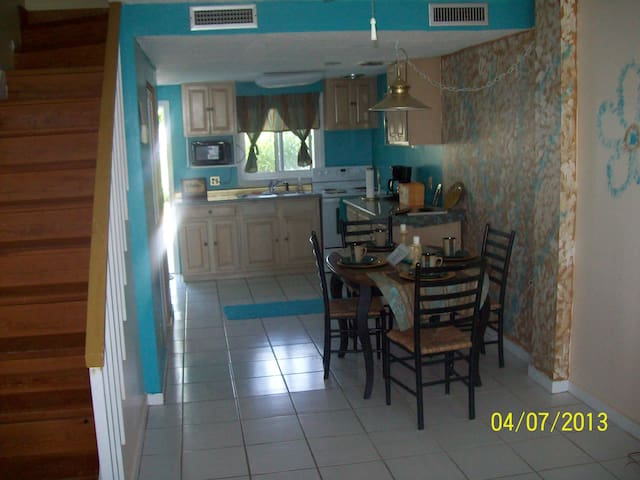 Canal Front Condo Treasure Cay  - Treasure Cay - Byt