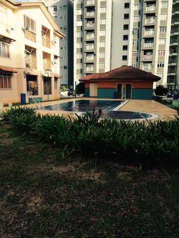 Homestay Sg. Merab, Bangi, Putrjaya - Kajang - Apartment