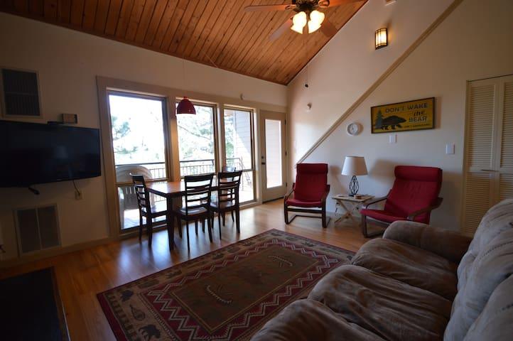 Seventh Mountain Resort Loft Condo! - Bend - Apto. en complejo residencial