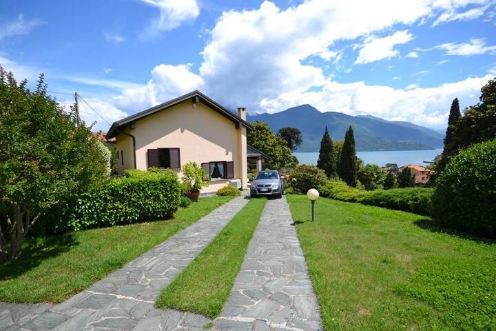 MIRALAGO Independent little villa - Provincia di Como - Casa