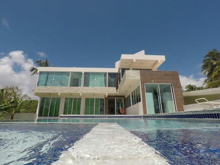 Casa Beira Mar Com Linda Vista Pra Praia